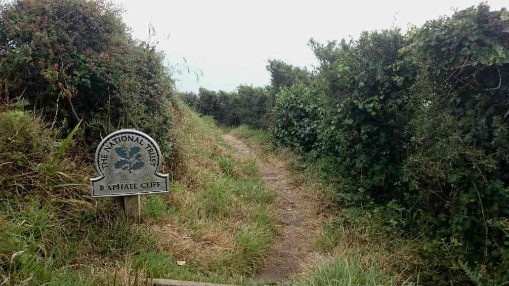 Engelse kust wandelen nabij Looe, UK